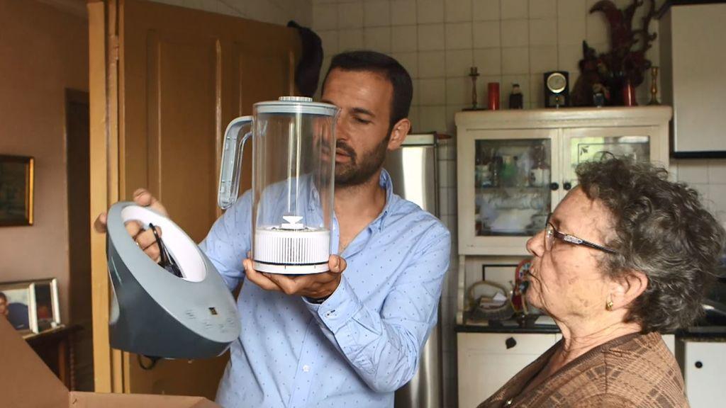 El timo de las jarras de agua que reducen el cáncer: ¡Asunción pagó 2.395 euros!
