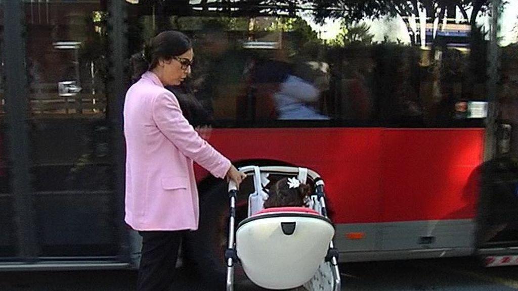 Los autobuses de Valencia extenderán su rampa para carritos de bebés gracias a la denuncia de una madre