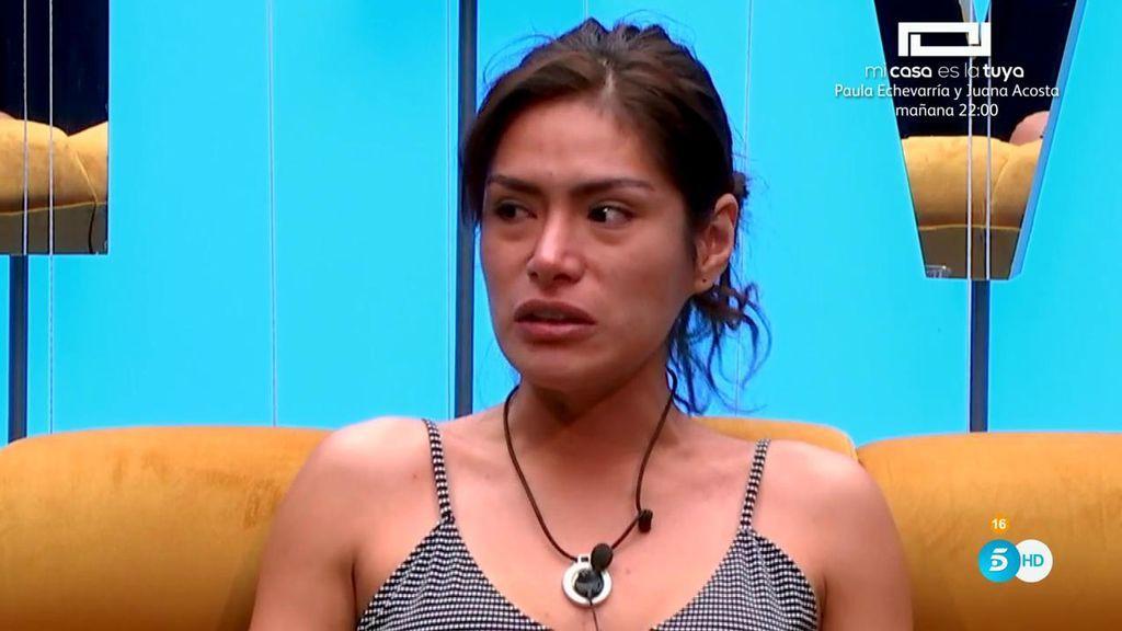 """Miriam termina llorando en el confe por sus compañeros: """"Mi presencia les intoxica la respiración"""""""
