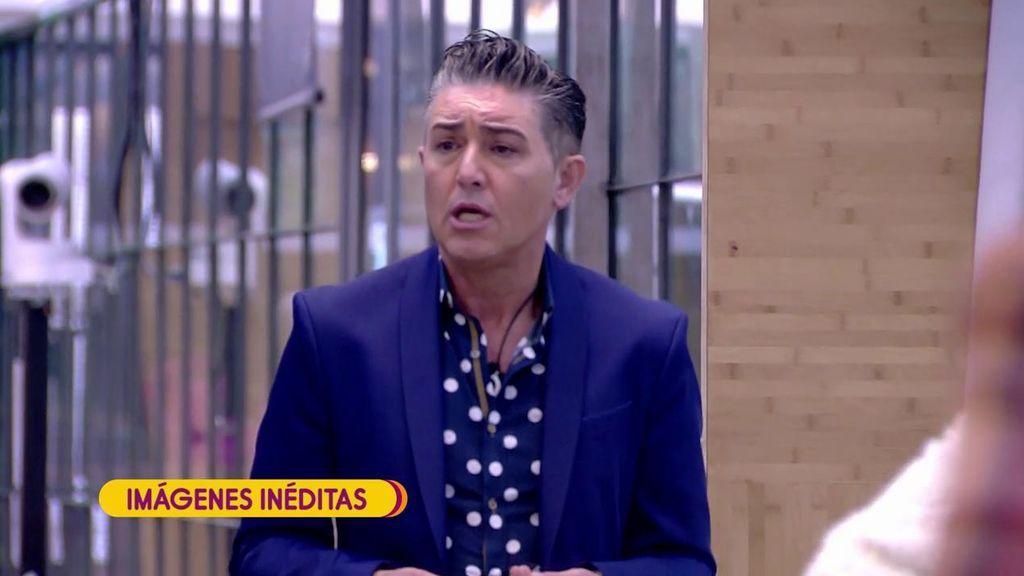 """Ángel Garó se enfrenta a Mariam Saveedra: """"Te estás creciendo porque el público te ríe las gracias"""""""