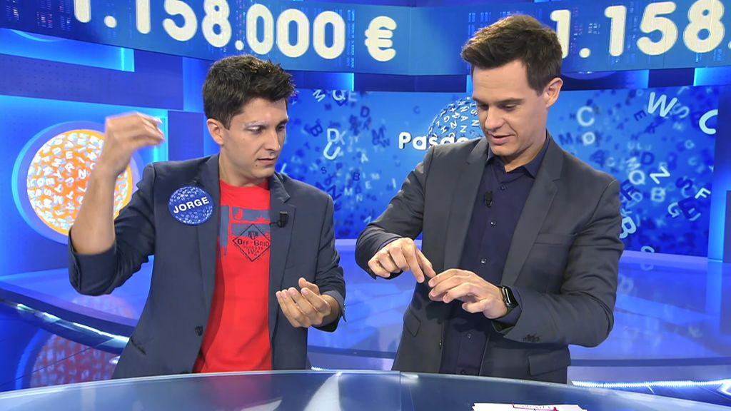 El truco de la baraja invisible con el que Jorge Luengo dejó a Christian Gálvez alucinando