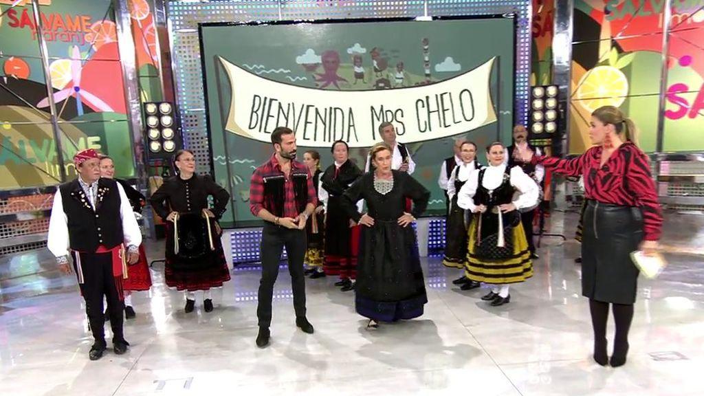 Vuelve 'Bienvenida Mrs Chelo': La presentadora homenajea a Castilla y León con su baile regional