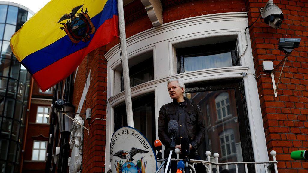 """Assange demanda a Ecuador por violar sus """"derechos y libertades fundamentales"""""""