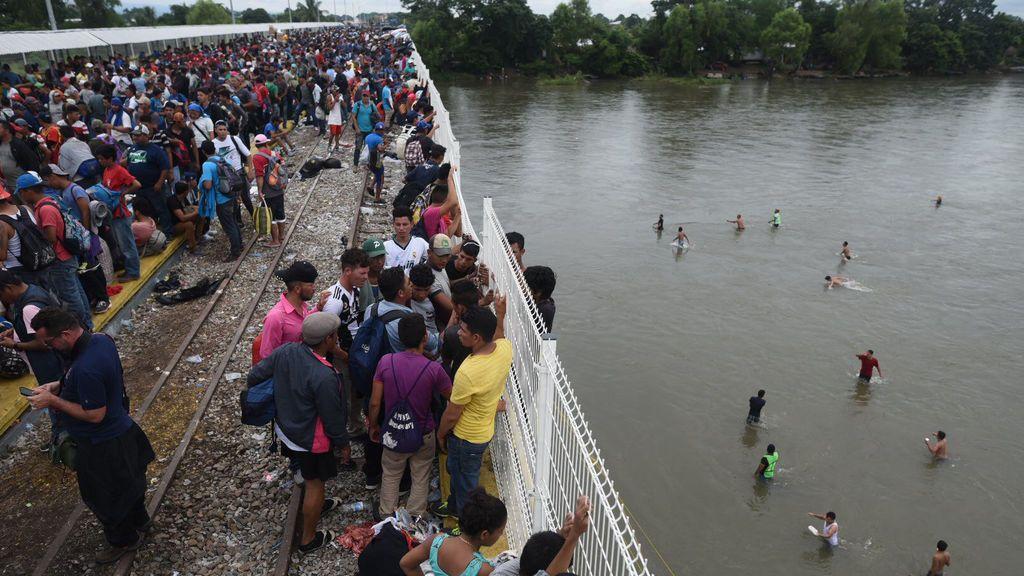 El presidente de Guatemala anuncia el retorno a su país de 2.000 integrantes de la caravana