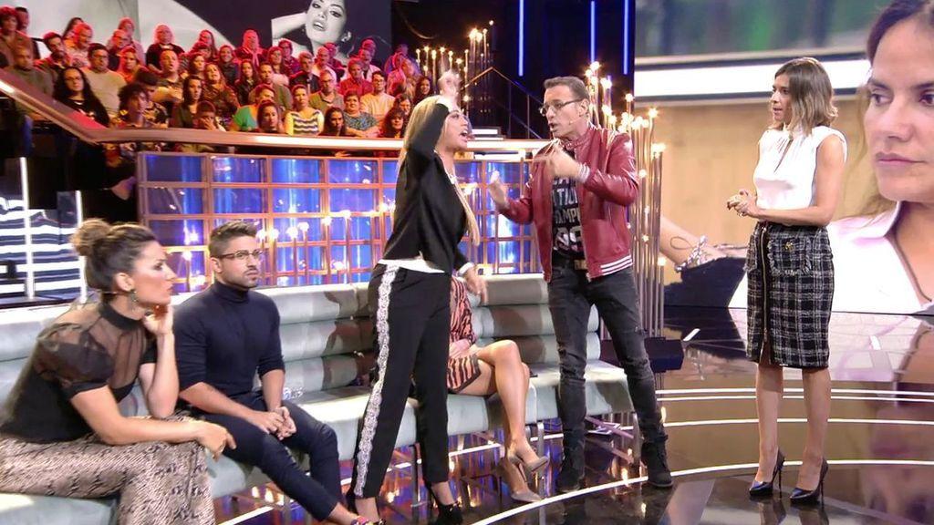 """Carlos Lozano ataca a Belén Esteban y se lía monumental: """"¡Estás aquí porque llevas 20 años hablando de un torero!"""""""