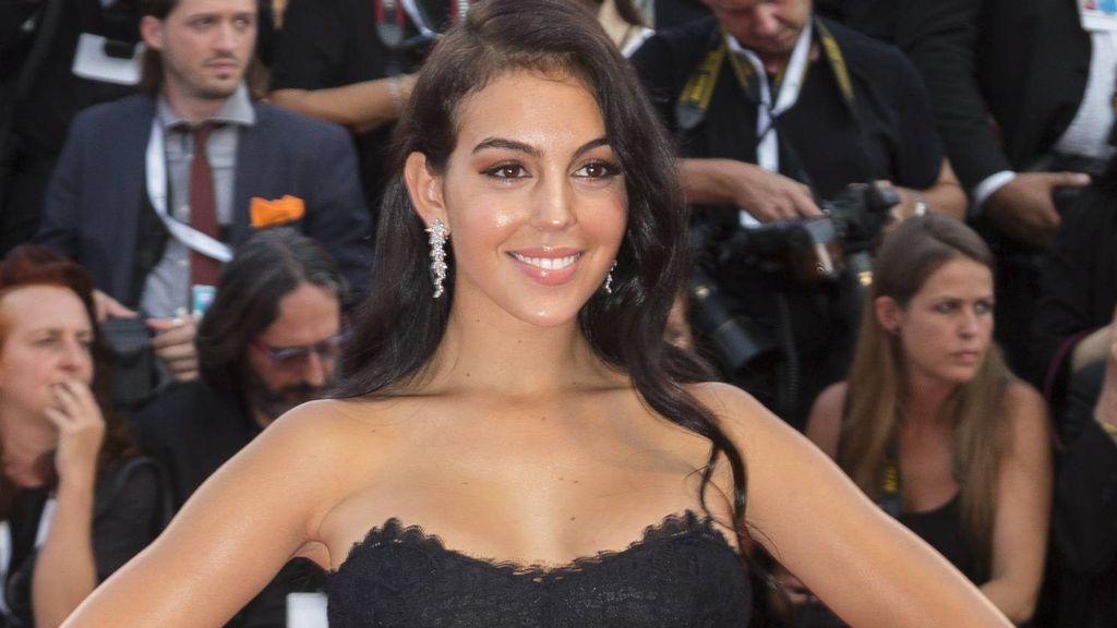 """Cambio de look radical: Georgina Rodríguez se """"vuelve loca"""" y se tiñe de rubia platino"""