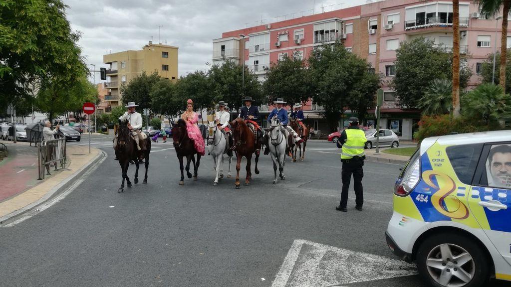 Rescatan a una niña de cinco años tras desbocarse el caballo en el que iba en la Romería de Valme