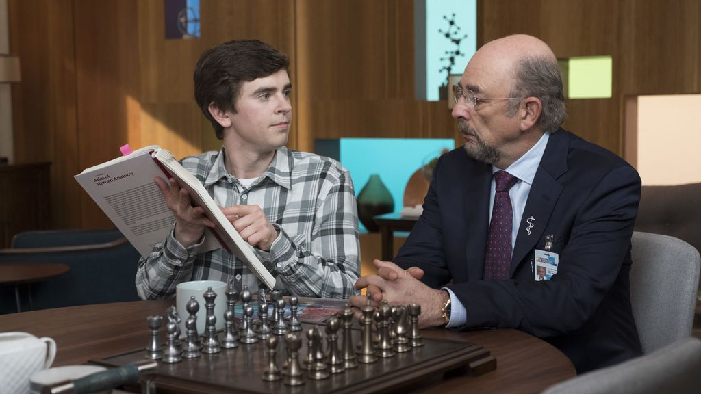 Shaun juega su 'partida' más difícil en 'The good doctor'