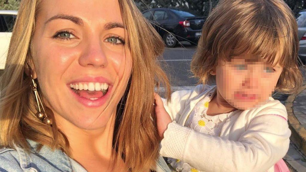 """Yoli se refugia en su hija y la homenajea en su día más bajo: """"Hoy estoy sensible"""""""