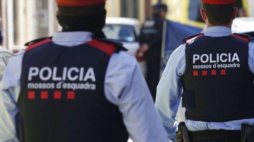 Apuñalan a un vigilante en el metro de Barcelona cuando mediaba en una discusión
