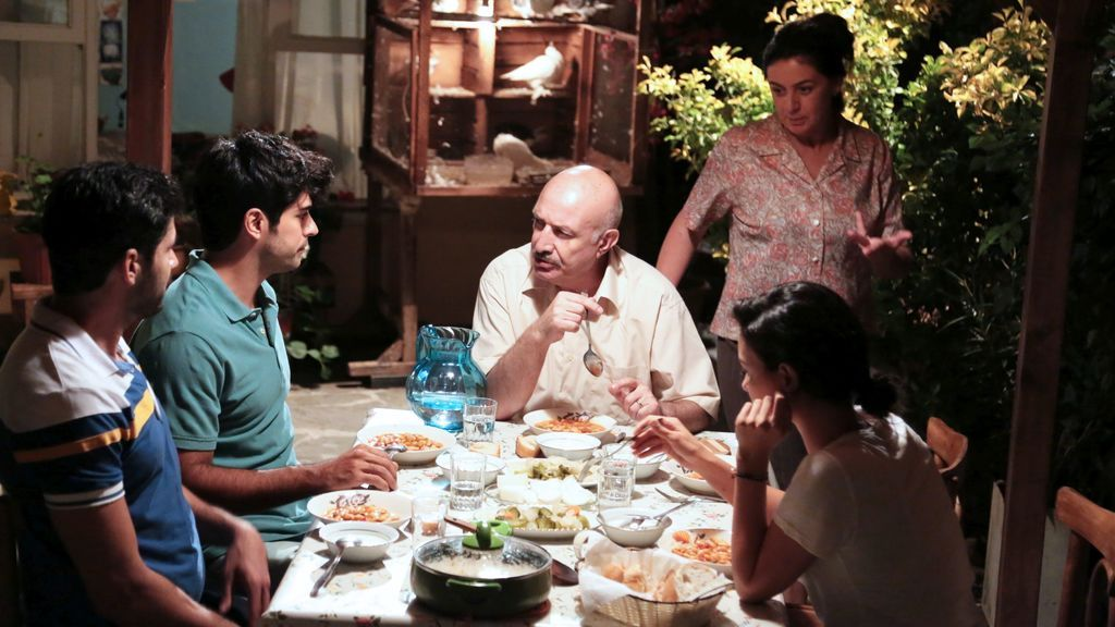 Familia de Kemal en 'Kara Sevda (Amor eterno)'.