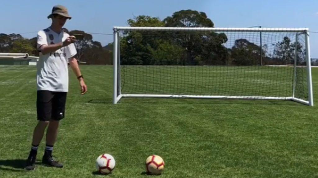 Con 17 años, trollea a la familia Ronaldo y tiene dos récord Guinness como 'freestyler'