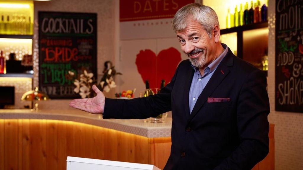 Carlos Sobera gana la 'Antena de Oro' 2018 como presentador de 'First Dates'