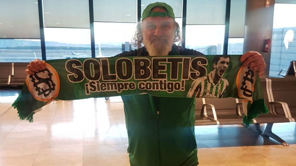 Jorge Morillo, tras 34 años ayudando a los demás, cumple el sueño de su vida y viaja a Milan para ver jugar al Betis en Europa