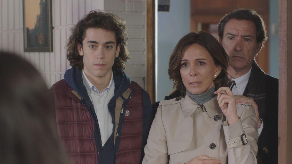 Oriol Puig, Lydia Bosch y Ginés García Millán en 'La verdad'.