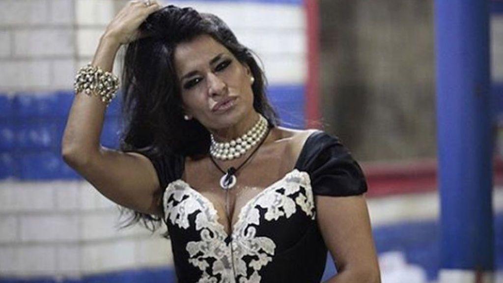 Aída Nízar deja sin palabras a toda una discoteca con su último show