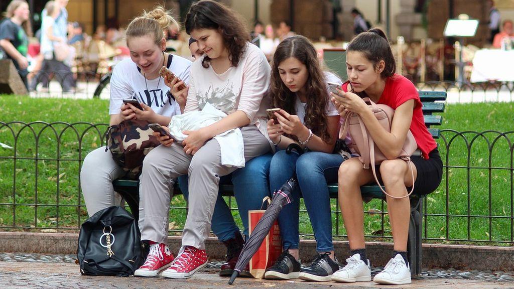 Ciberacoso escolar: los psicologos te ayudan a superarlo