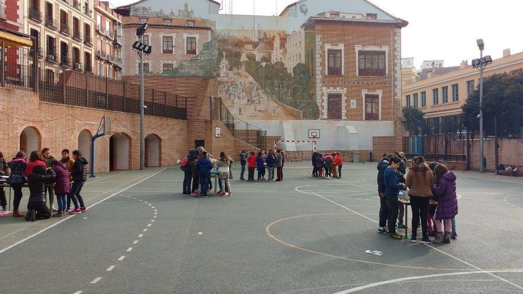 Los recreos de los colegios se transforman: patios inclusivos para que el fútbol no sea el único juego