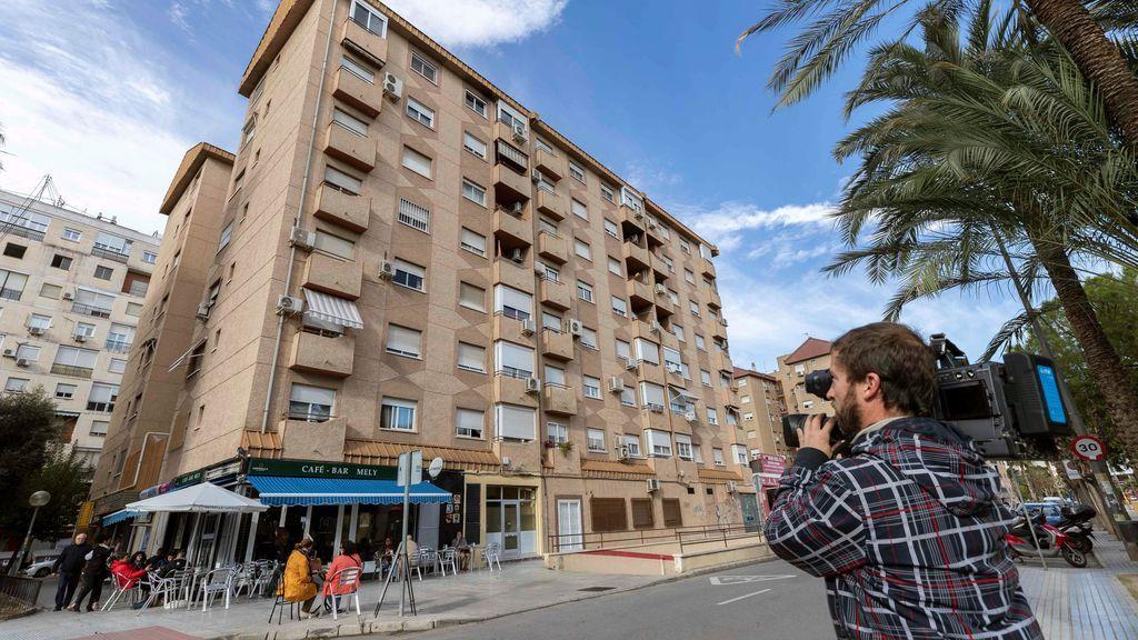 Mueren una mujer y su hijo de cuatro años al arrojarse al vacío en Murcia