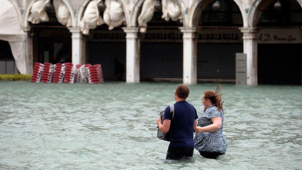 Siroco, el viento que ha hecho que Venecia quede bajo el mar