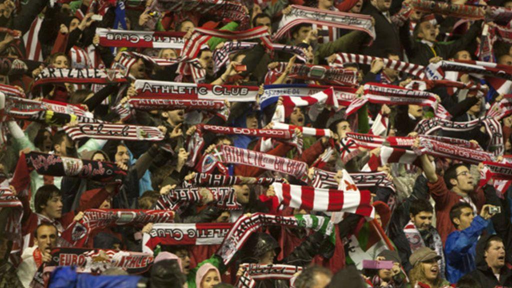 Un himno también para ellas: un sector de la afición del Athletic pide cambiar una parte del himno del club