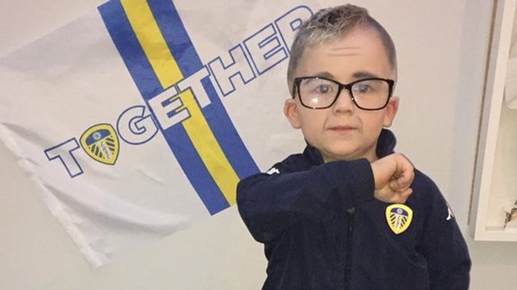 Un niño de cuatro años se disfraza de Marcelo Bielsa para Halloween y arrasa en redes sociales