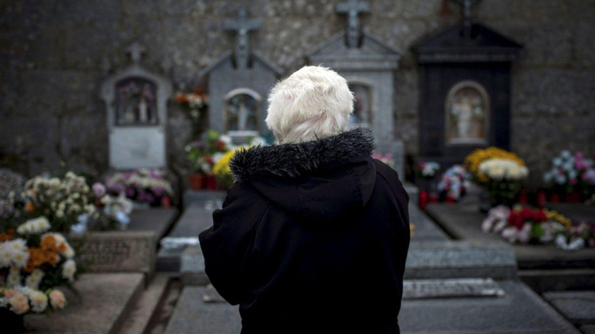 En estado crítico una mujer de 70 años al caer desde una escalera en un cementerio en Gran Canaria