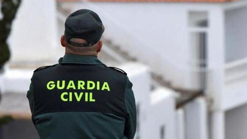 Dan una paliza a un joven y agreden a dos guardias civiles en la fiesta de Halloween de Tres Cantos, Madrid