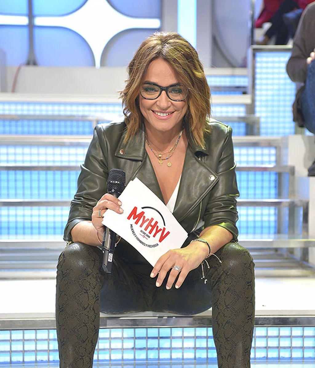 Toñi Moreno, en las escaleras de 'MYHYV'
