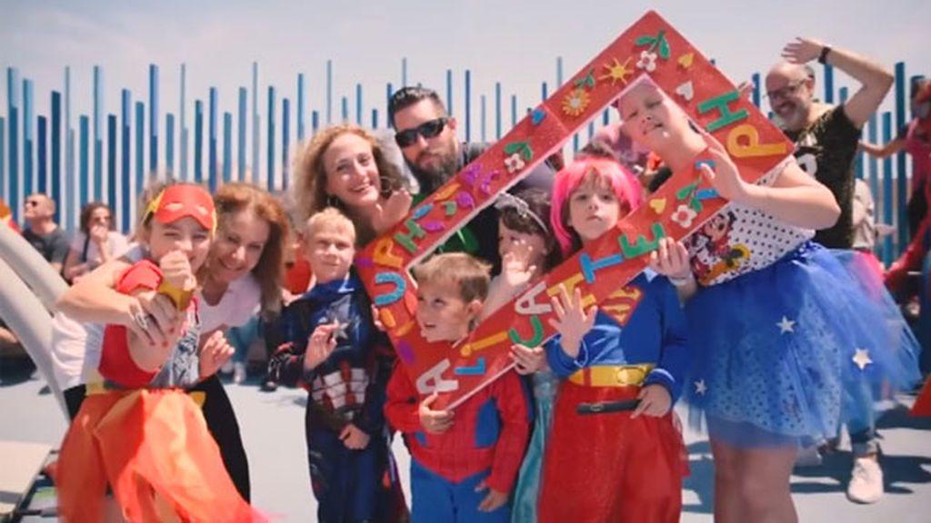 Superhéroes que luchan contra el cáncer infantil