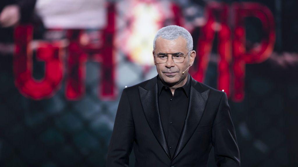 De incóginto y con champán: así celebra Jorge Javier Vázquez el éxito de 'GH VIP 6' en su noche del terror