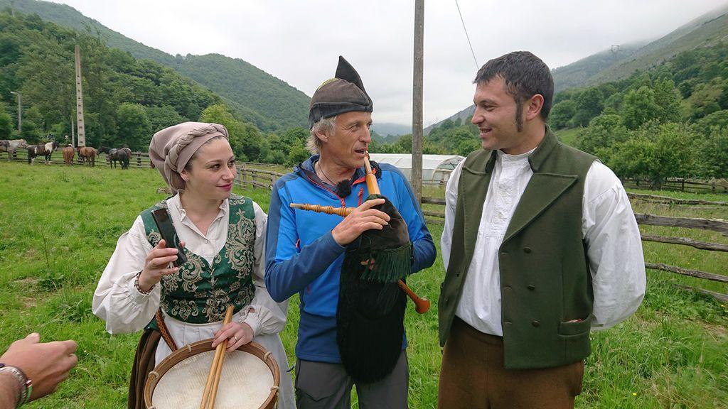 Jesús Calleja, presentador de 'Volando voy', en Asturias.