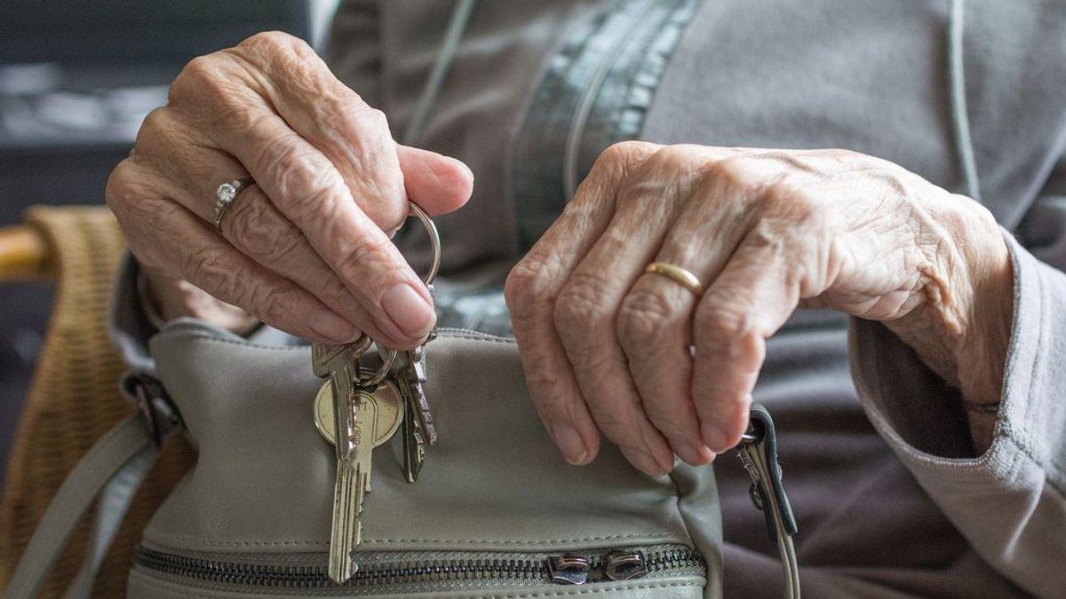 casa-persona-mayor-anciana