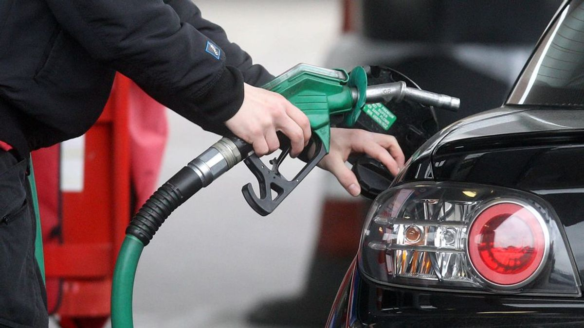 ¿Me pueden multar por quedarme sin combustible en la carretera?