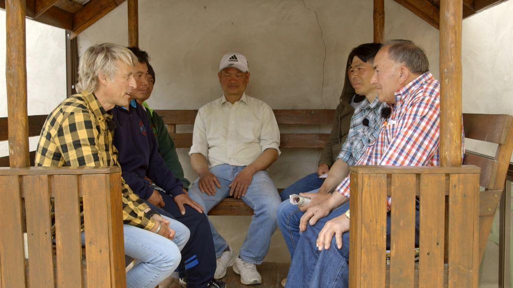 La curiosa idea de un agricultor que atrae seis meses al año a decenas de tailandeses