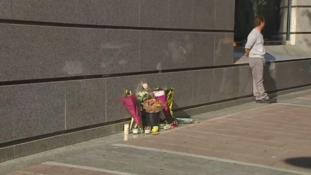 La joven que intentó suicidarse en Marbella pidió una foto del momento a los vigilantes que la salvaron