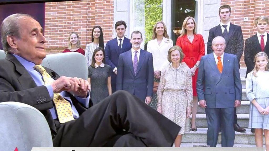 """Peñafiel analiza el posado de la Familia Real: """"Ojo a esa manita de Letizia cogiendo a Leonor"""""""