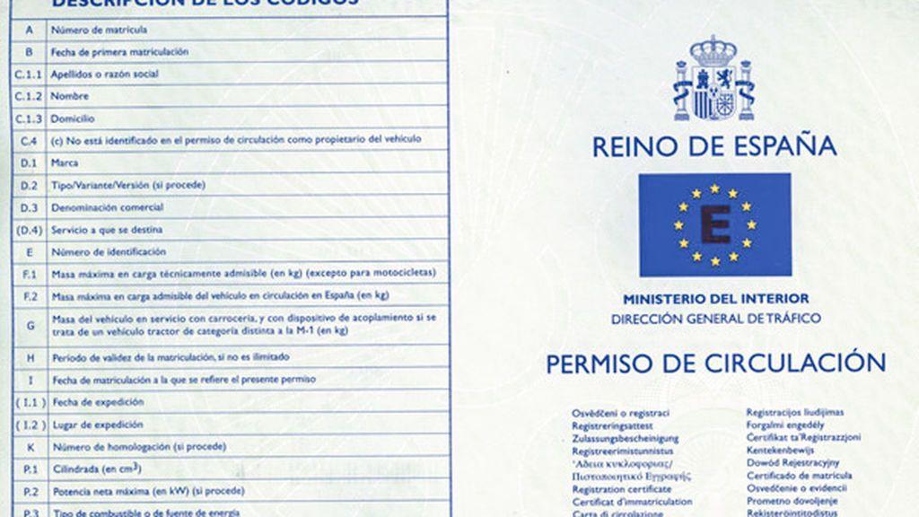 ¿Me pueden multar por llevar fotocopias de los papeles del coche? Te lo aclaramos