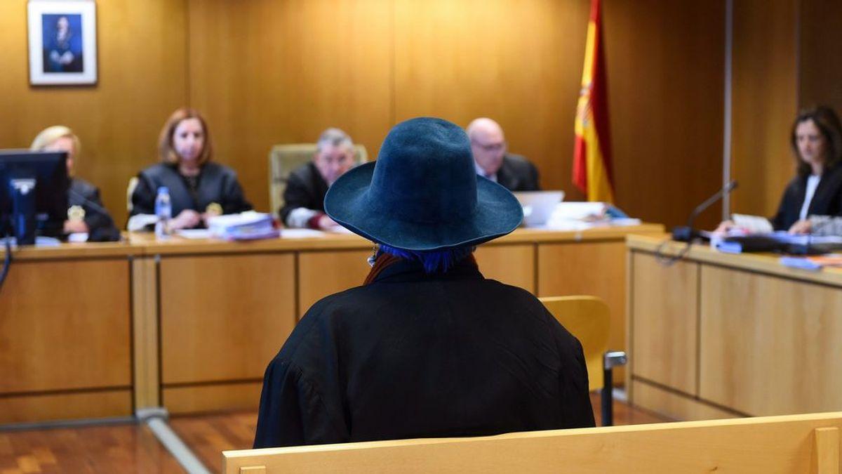 """Lucía Bosé, a las puertas del juzgado: """"No era un cuadro. Era un dibujo y era mío"""""""