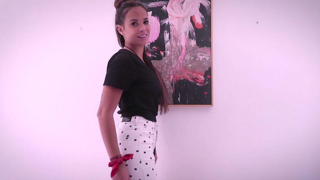 Tipo mum, pitillos o de animal print: los jeans, la prenda fetiche de Gloria Camila (2/2)