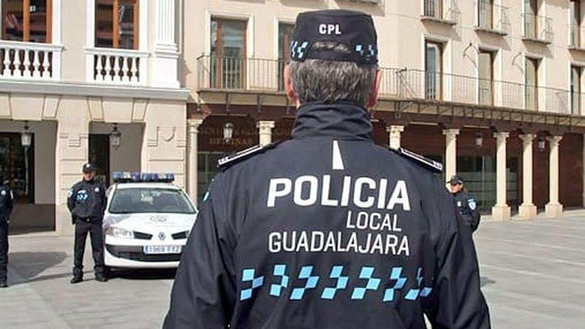Detenido en Guadalajara por agredir a dos policías que mediaron en una discusión con su pareja