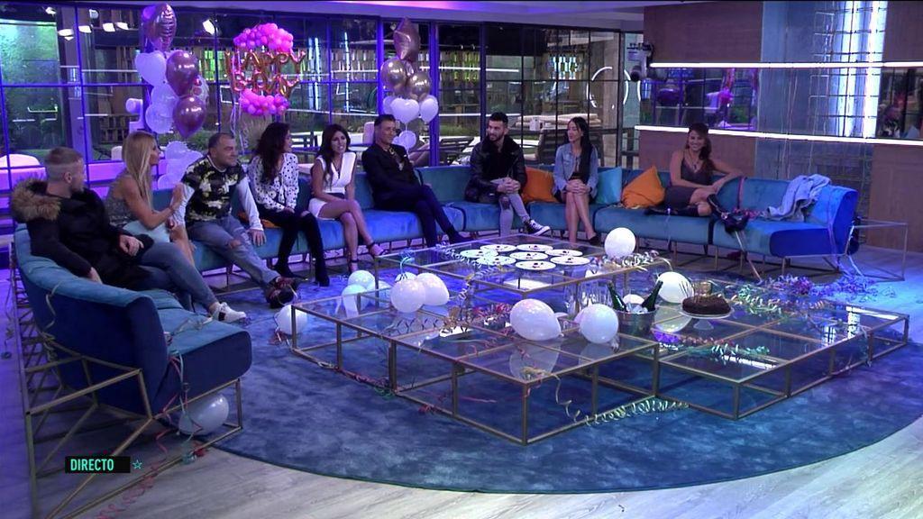 Isa Pantoja se reencuentra con sus compañeros... ¡Y celebra su cumpleaños en la casa!