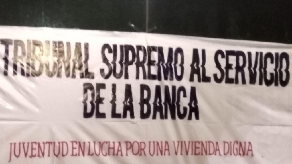 Los ciudadanos salen a la calle para protestar contra el Tribunal Supremo en distintas ciudades españolas