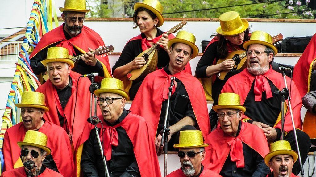 Cantar puede mejorar la función motora de las personas con Parkinson