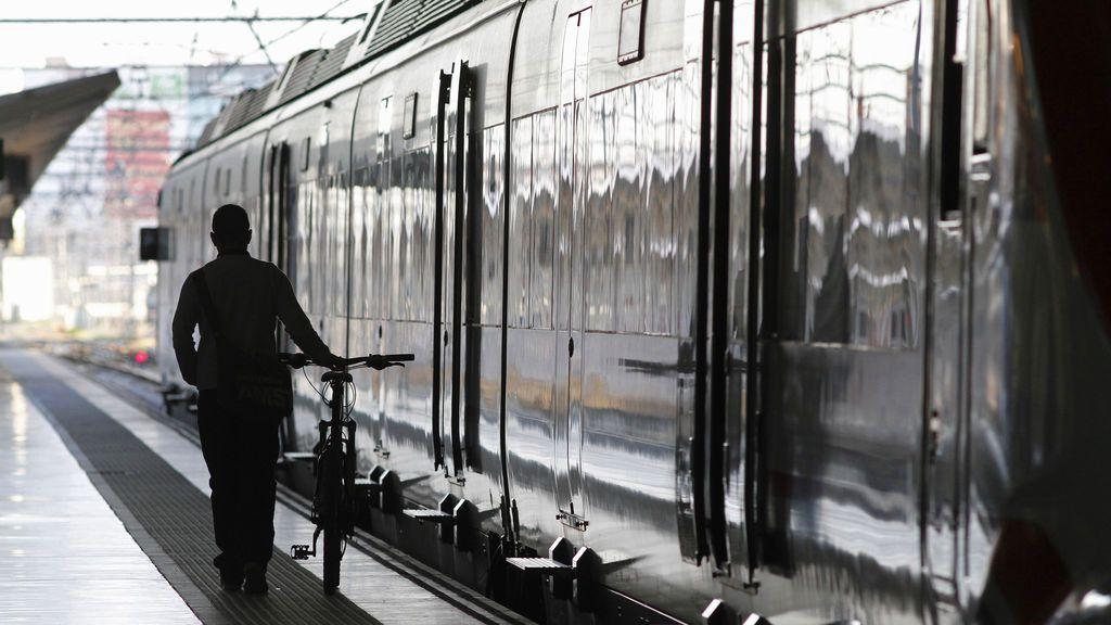 Un vigilante encuentra una mano dentro de un guante en la Estación del Norte de Valencia