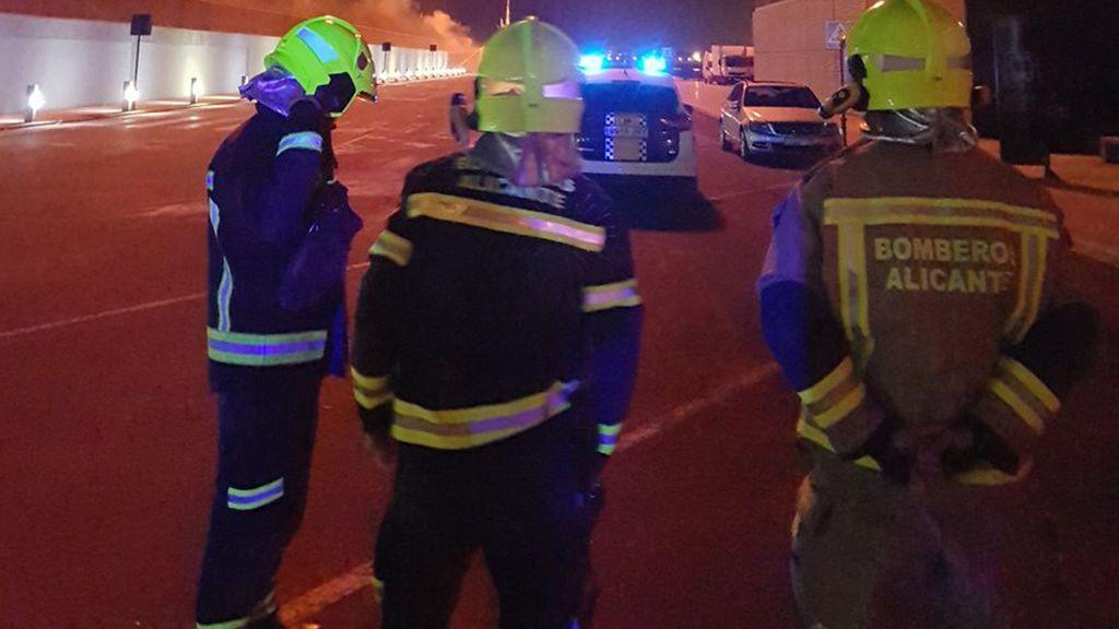 Cuatro trabajadores heridos, dos graves, en la explosión de una fábrica en Crevillent, Alicante