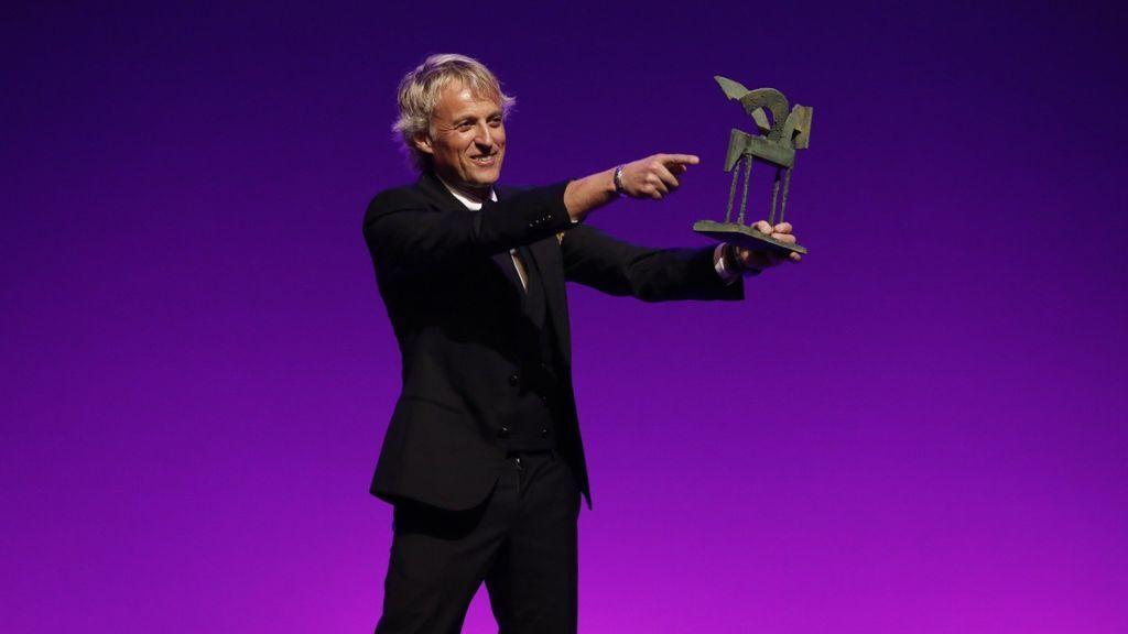 Jesús Calleja recibe el premio Ondas al mejor presentador de televisión