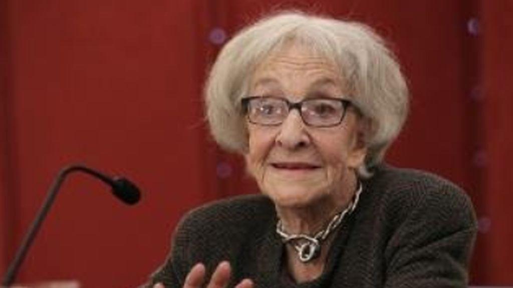 El Cervantes rompe la alternancia y premia a la poeta uruguaya Ida Vitale