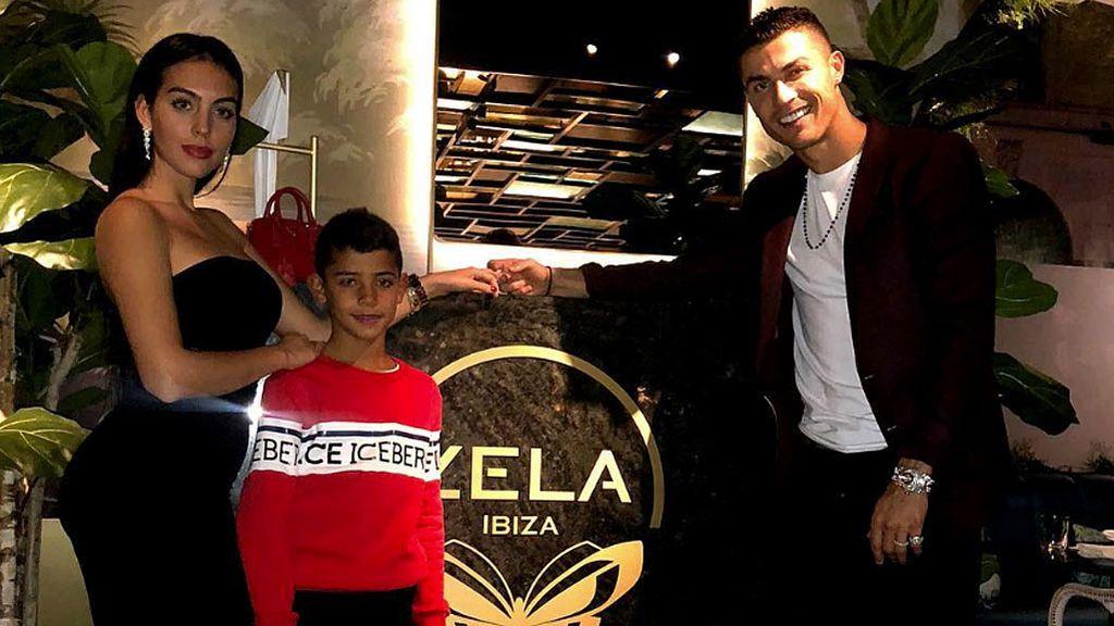 Cristiano Ronaldo y Georgina Rodríguez se comprometen en un restaurante de Londres