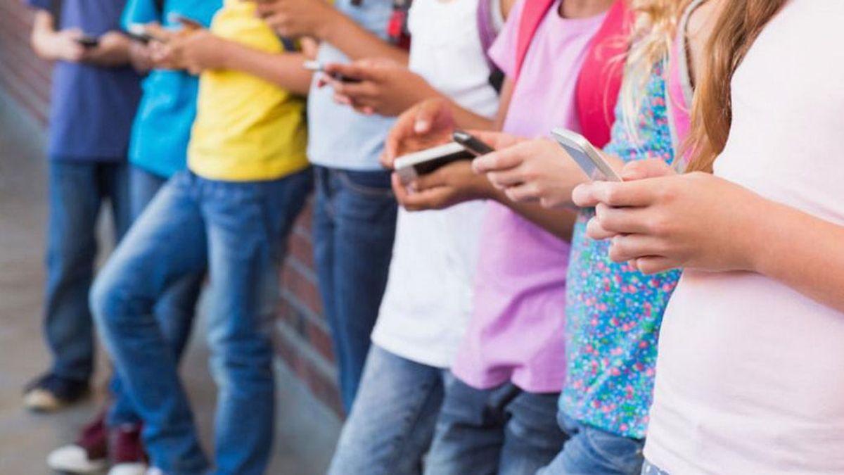 ¿Cuál es la edad adecuada para que un menor tenga su primer móvil?